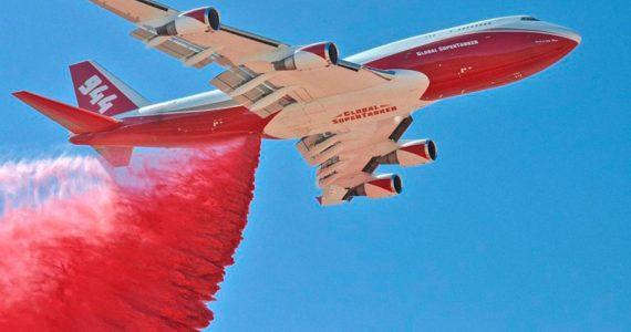 Boeing 747 Supertanker