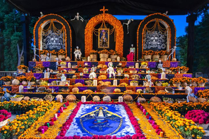 Altar de muertos y todo lo que debe llevar