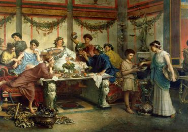romanos comían acostados