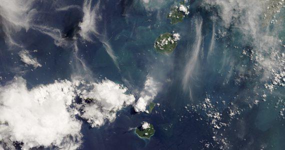 volcán Anak Krakatau