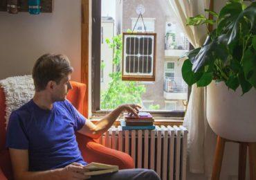 cargador solar de ventana