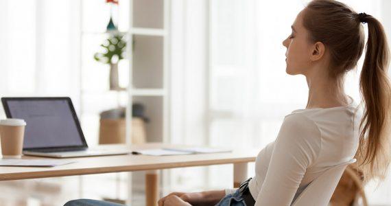 Mantenerte en casa es todavía muy importante para evitar contagios por Covid-19. Respira, te dejamos algunas técnicas para la regulación emocional.