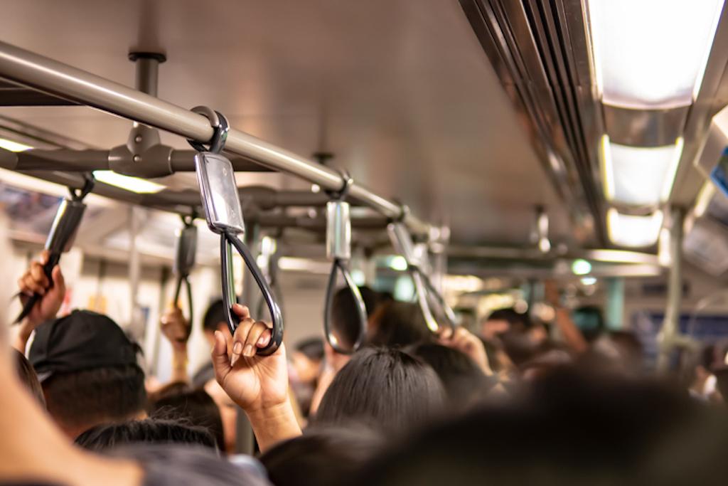 COVID–19 en el transporte público