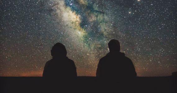 mirar al cielo es mirar al pasado