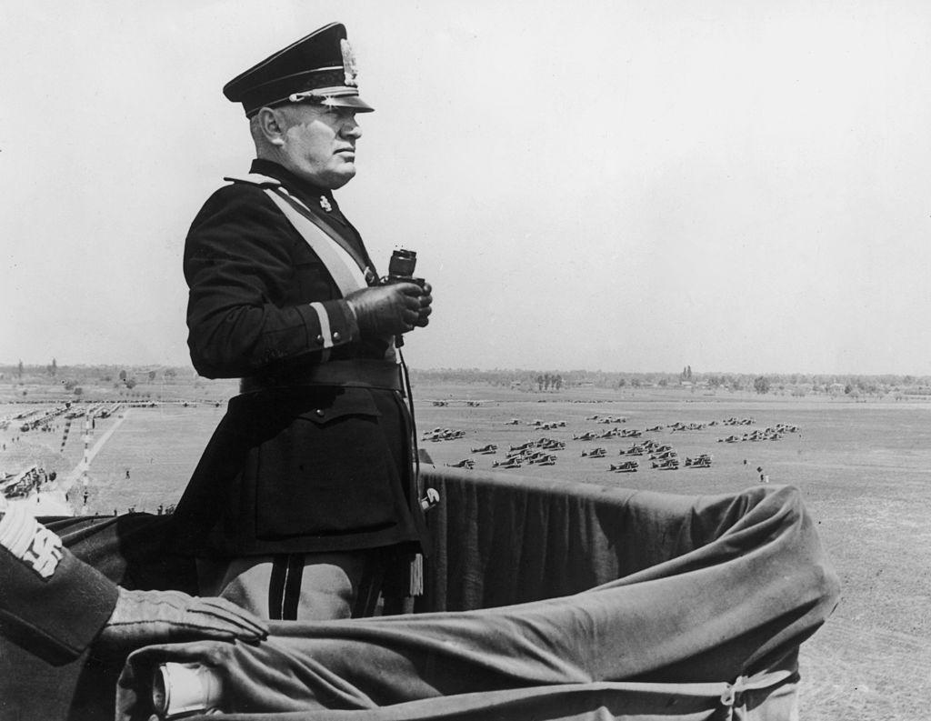 Benito Juárez y Mussolini