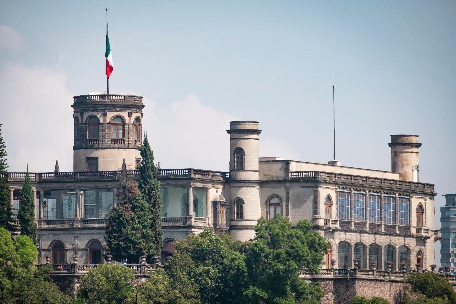 la torre caballero alto del castillo de chapultepec en cdmx
