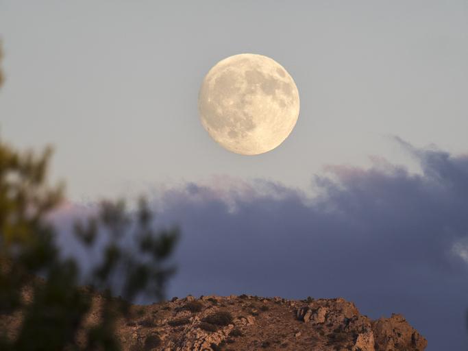 Luna Azul mitos