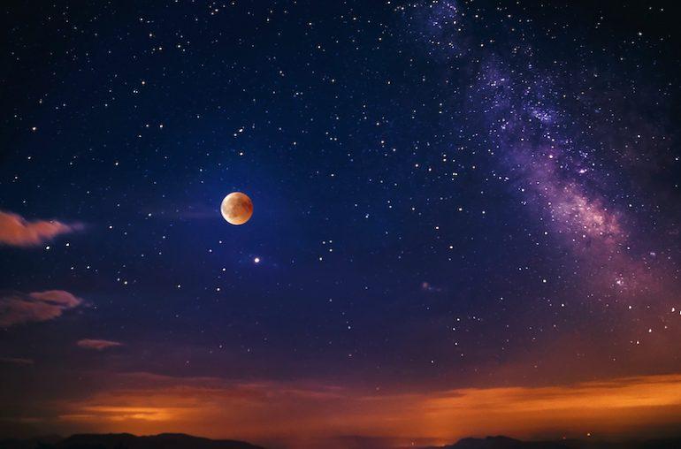 La Luna, Júpiter y Saturno