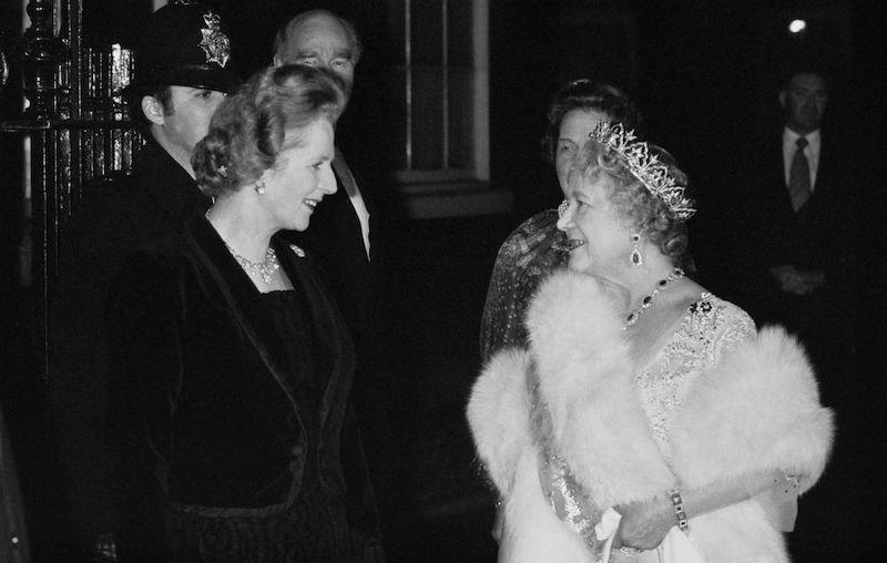 Isabel II y Margaret Thatcher
