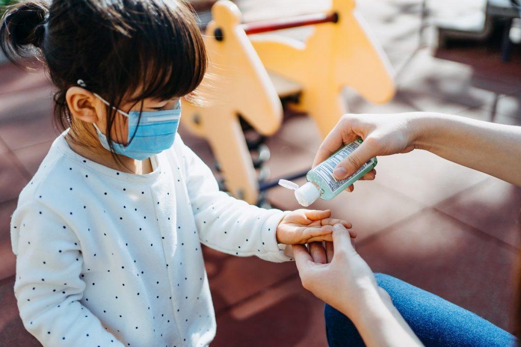 enfermedades respiratorias prevencion gel antibacterial nino nina