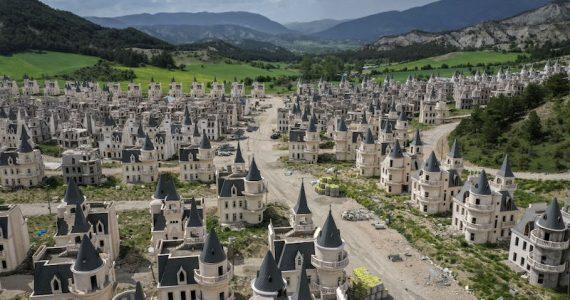 pueblo fantasma castillos