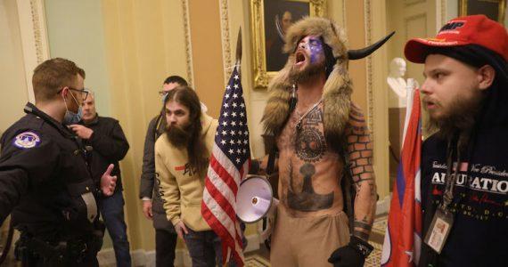 Manifestantes pro Trump asaltan el Capitolio de EEUU para evitar victoria de Biden