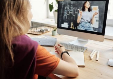 Clases en línea y educación a distancia