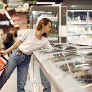 Haciendo compras en el supermercado
