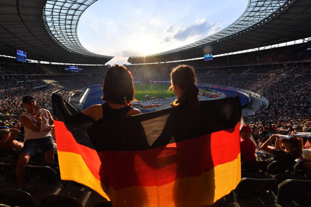 Espectadores alemanes en estadio