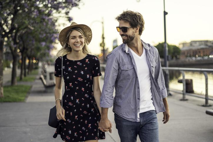 así camina un hombre enamorado