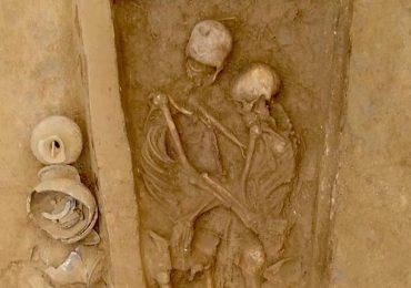 pareja china entierro