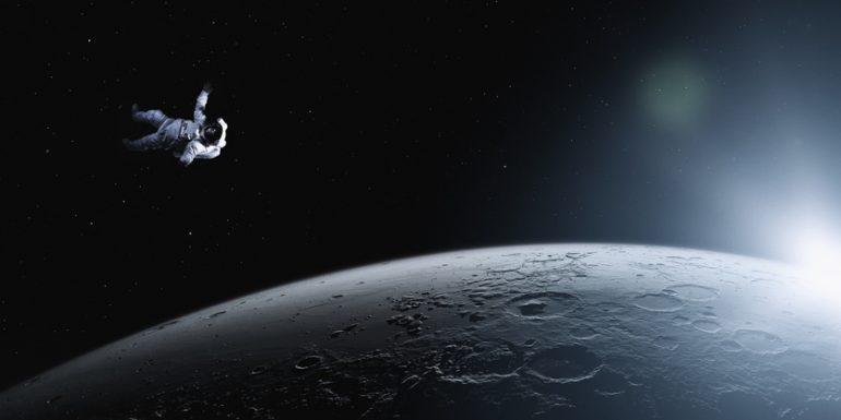 que pasa si un astronauta se pierde en el espacio