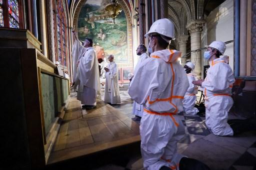 Notre Dame reconstrucción