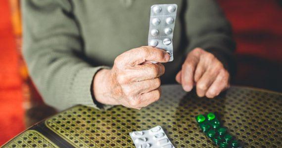 ¿Es malo tomar una aspirina para prevenir infartos?